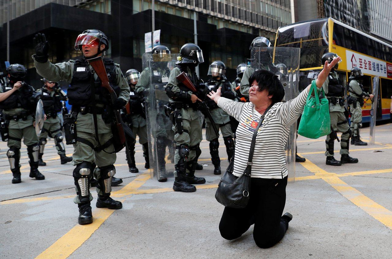 香港緊張情勢近日再度升高,也讓北京直接出手處理的聲音再起。(路透)