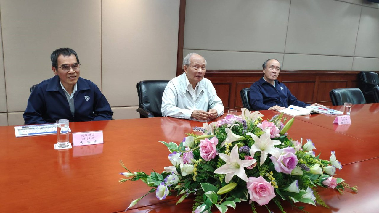 六輕麥寮管理部副總陳文仰(中)。記者李京昇/攝影