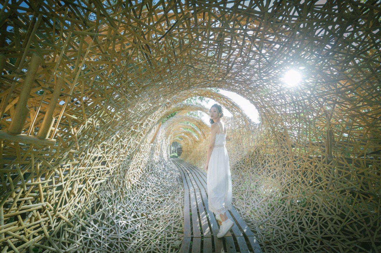 新竹縣慢漫生活節將在16、17兩日登場,邀請台印藝術家,打造7件地景藝術作品,代...