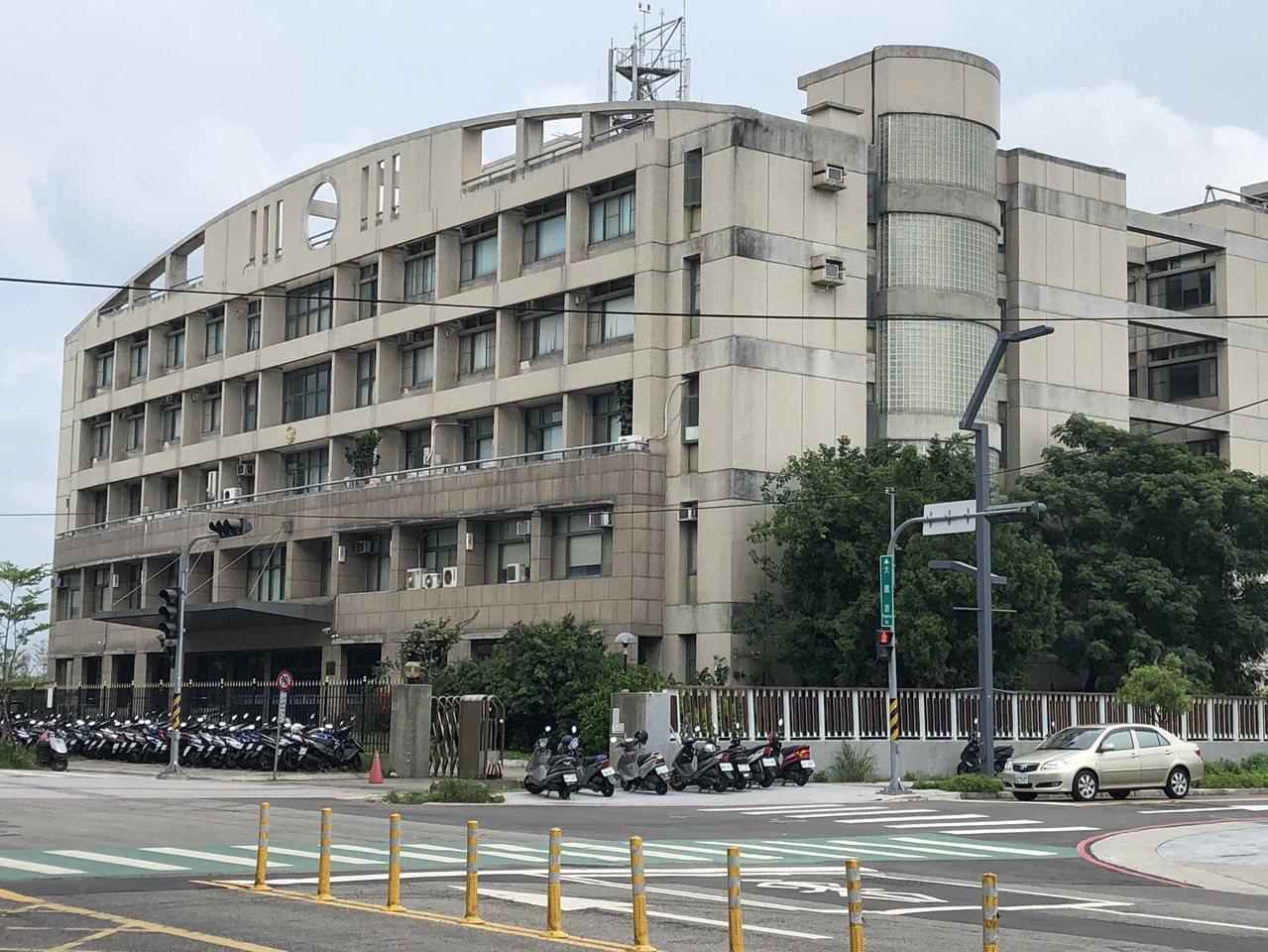 刑事局中部打擊犯罪中心前天查獲涉嫌在香港行搶的林姓男子。圖/本報資料照