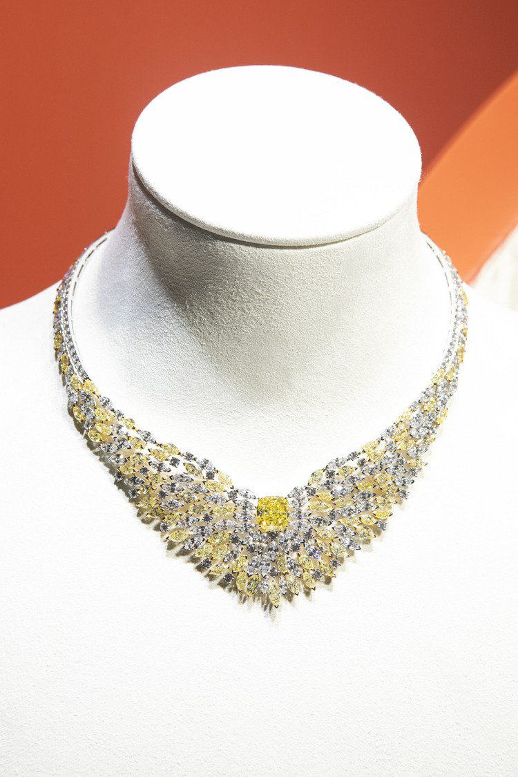 Piaget Golden Oasis「黃金時刻」黃鑽頂級珠寶鑽石項鍊,主石重約...