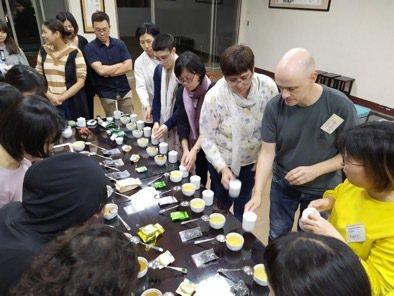 茶改場首度開辦國際專班。圖/茶改場提供