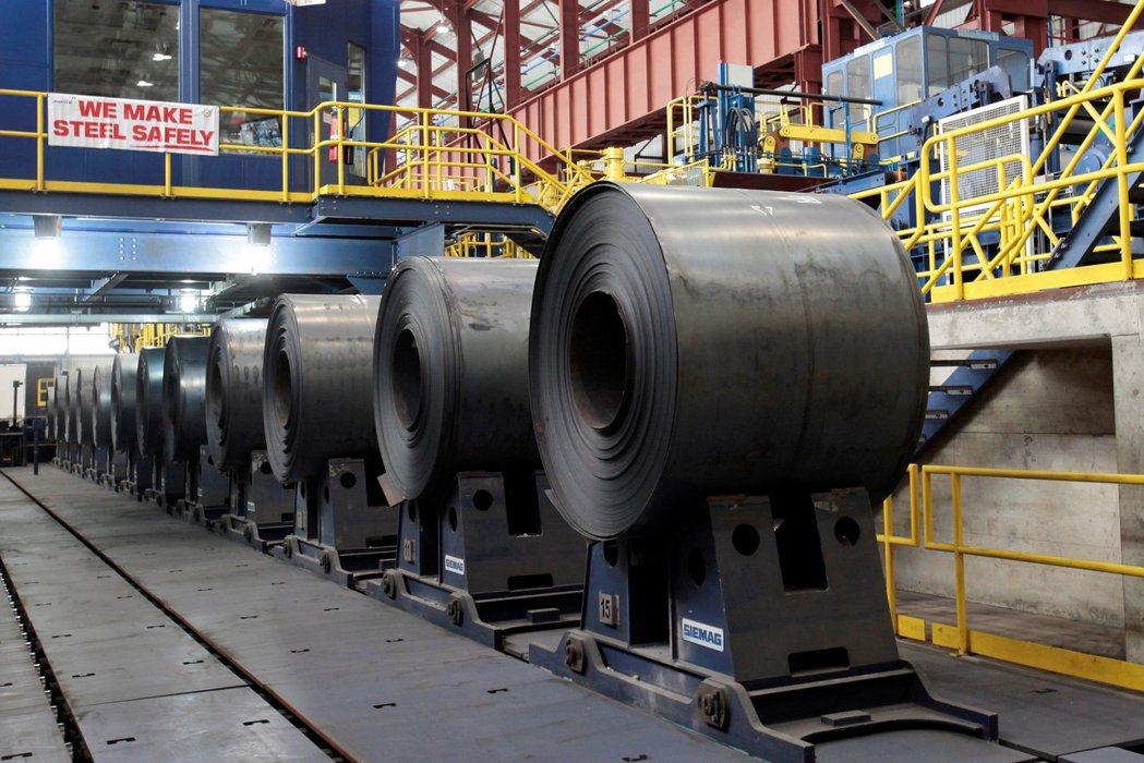 熱軋鋼捲的價格近來跌到三年低點,主要受美中貿易戰持續延燒及中國大陸經濟放緩這兩大...