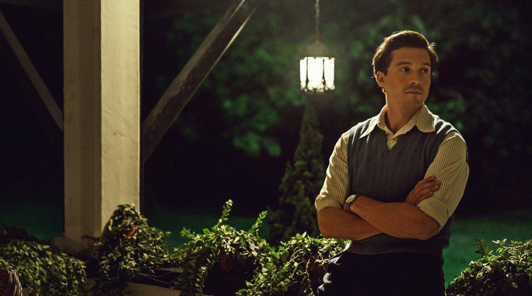 大衛奧克斯在「夕霧花園」飾演菲德瑞克蓋梅爾。圖/甲上提供