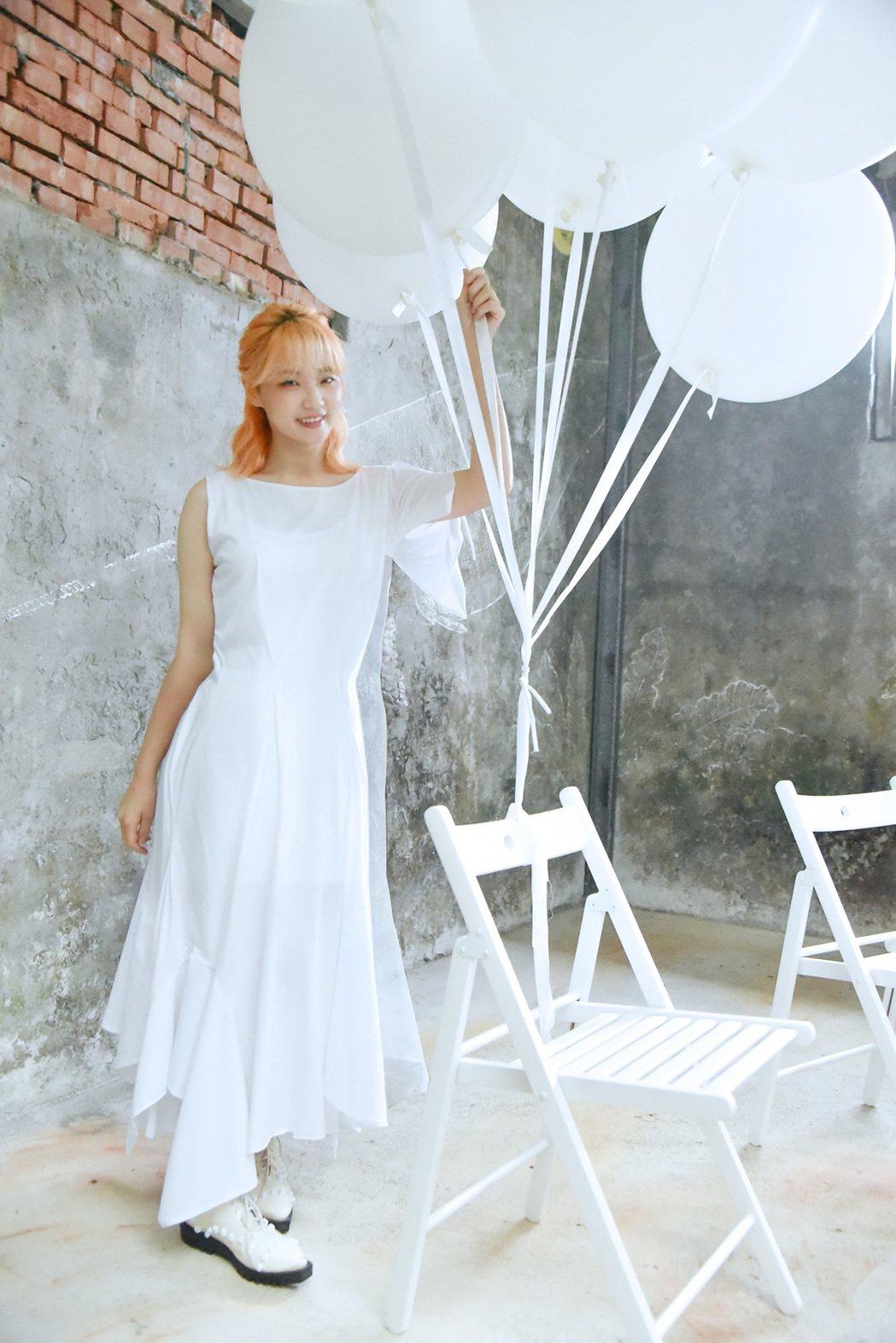 鄭心慈新歌「幸福藏在哪裡」為TVBS大戲「天堂的微笑」主題曲。圖/星空飛騰提供