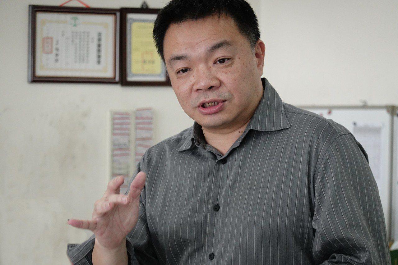 台南市義消向高思博爆料,台南市消防局行政不中立,為小吳拉票。圖/高辦提供