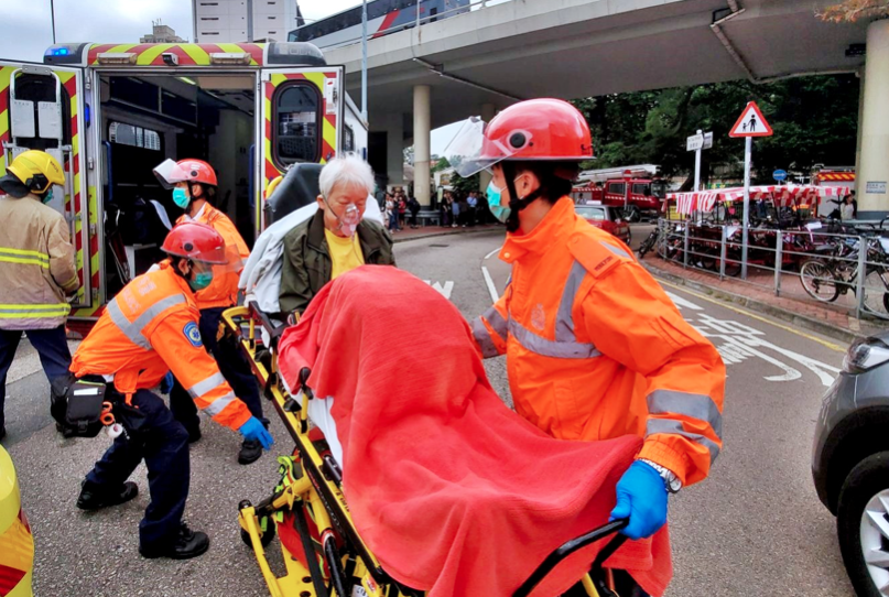 港醫管局稱,截至今午有48人送院 2人危殆。(星島網)