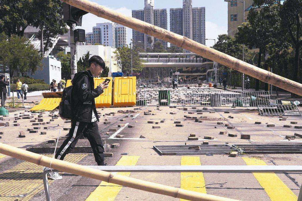 香港暴力衝突升級,港府為避免演變成大規模資本外逃,據傳已向私人銀行和家族辦公室提...