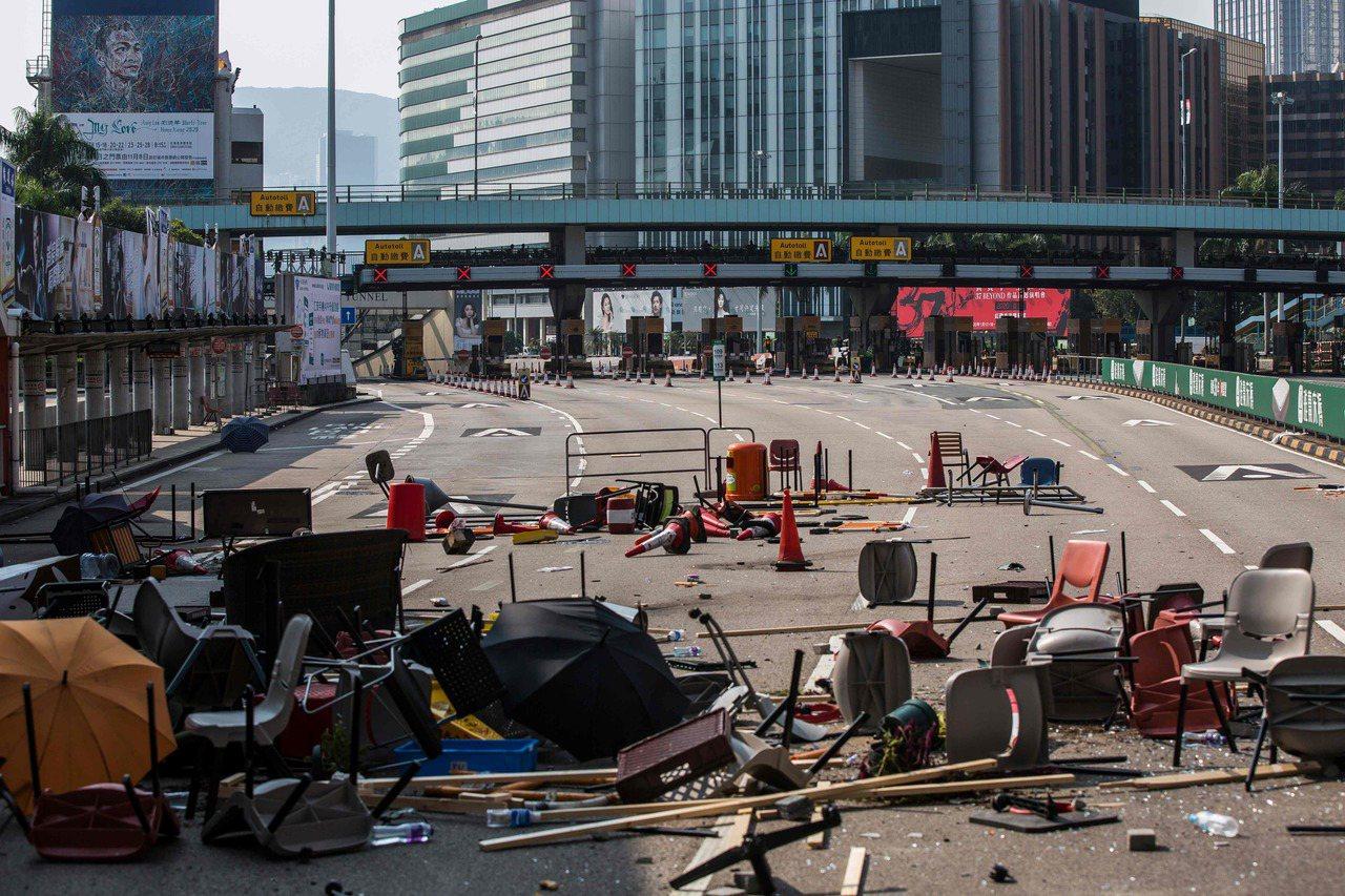 香港多所大學學生自11日發起「三罷」後,學生成為新一輪「反送中」示威焦點,不少示...
