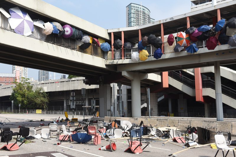 香港數間大學的校園近來成為反送中抗議者和警方衝突的戰場。由於暴力情勢無平息跡象,已有部分學生基於安全疑慮離港。 歐新社