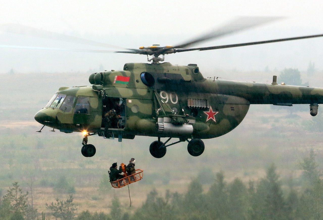 俄羅斯已著手在敘利亞東北部卡米什利市的一座民用機場興建直升機基地,距美國自敘國北...