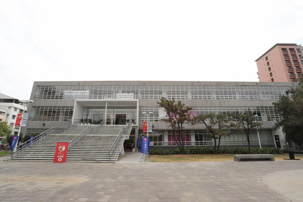 60年歷史的舊圖書館(K館)重啟落成,化身大育成新基地-成功大學未來館。 彭子豪...