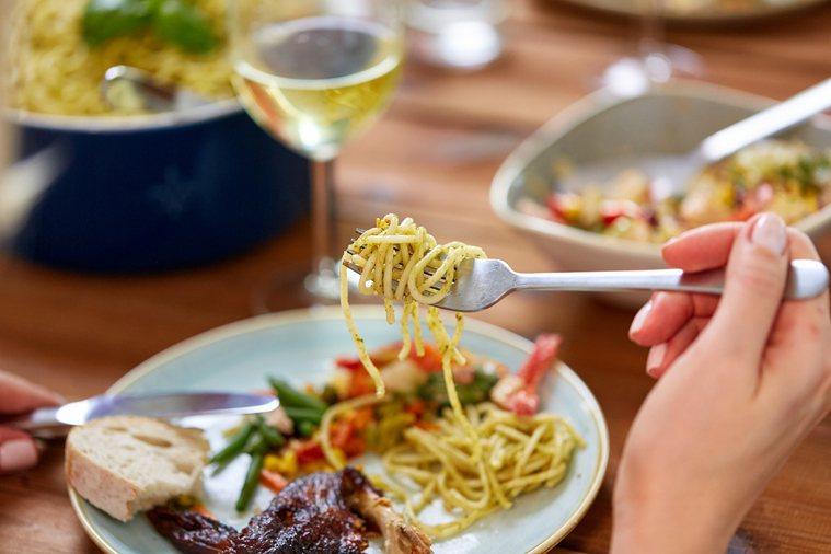 研究指出,進食習慣已悄悄透露了你的「隱藏性格」。 圖片/ingimage