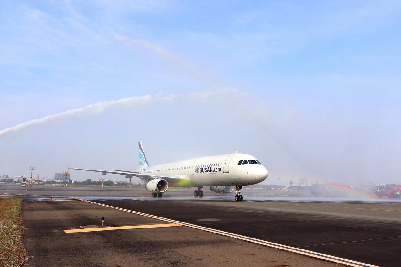 釜山航空推出高雄飛仁川航線。圖/高雄機場航空站提供