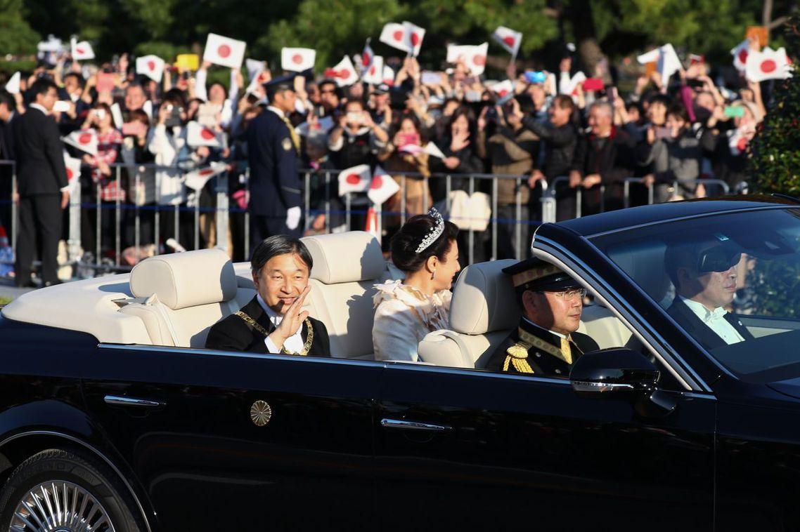 但正因為其宗教色彩濃厚,對於已經政教分離的日本而言,大嘗祭至今還是會面臨若干質疑...