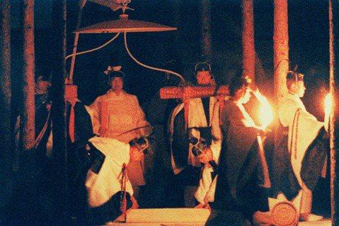 日本德仁天皇於14日舉行「大嘗祭」,這是天皇即位的一系列儀式中,最為關鍵的時刻。...