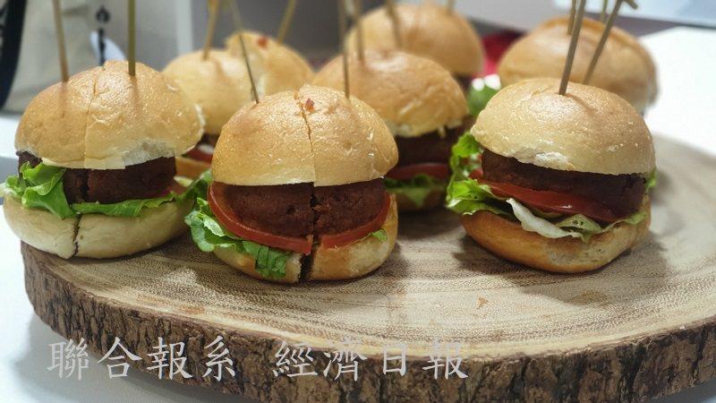 寬泰食品的全植性蛋白漢堡肉,10月上市。 徐谷楨/攝影