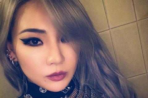 前南韓女團2NE1隊長CL自團體解散後,美國出道計畫始終沒有著落,更長達2年沒有音樂活動,日前韓媒報導CL將不再與YG娛樂續約,YG娛樂也正式發出聲明承認此消息,CL確定離開,結束長達13年的合作關...