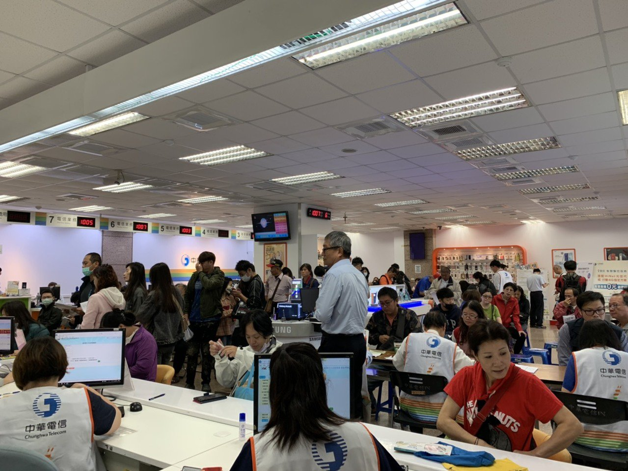 台南市汰舊換新節能家電補助申請踴躍。圖/經發局提供