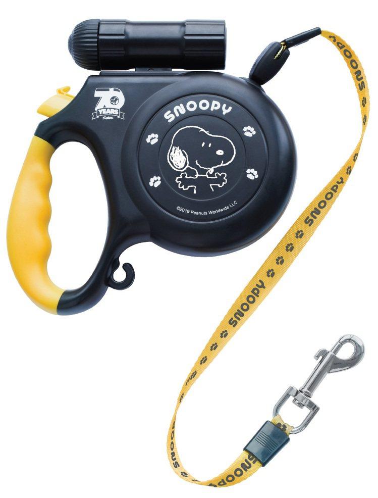 11月20日下午3點起開放預購的7-ELEVEN史努比「限量手電筒寵物牽繩」,集...