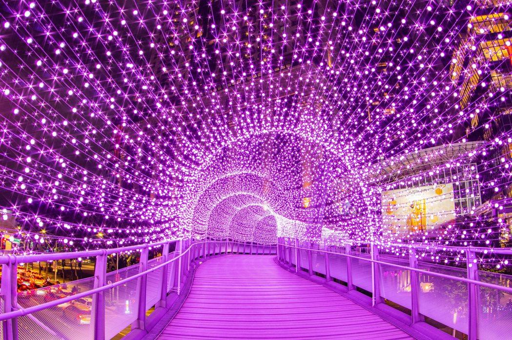 紫戀光廊-新站天橋 新北市政府提供