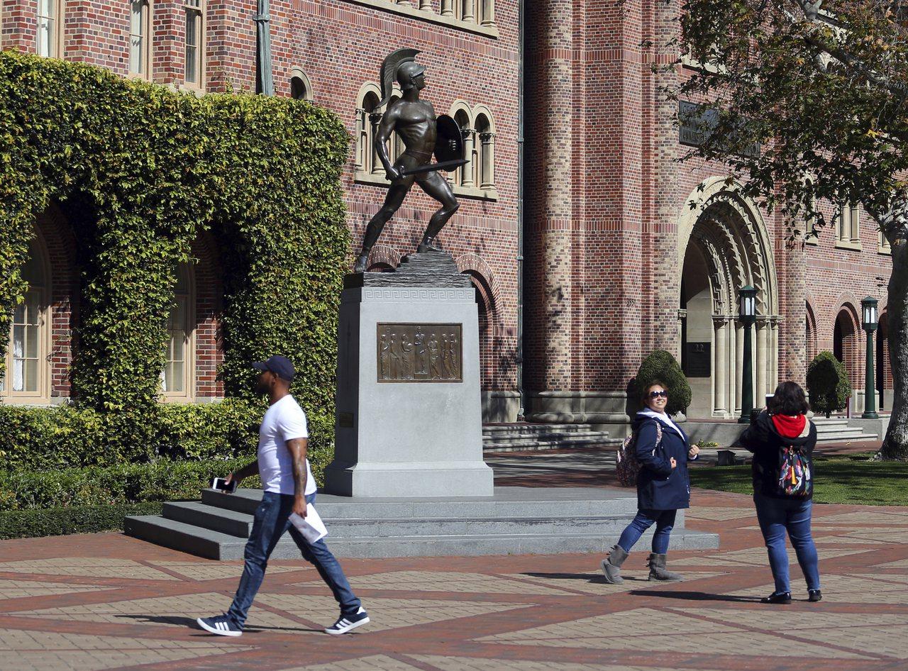 美國南加州大學本學期至今有9名學生喪命,目前僅知1人車禍、3人自殺,其餘尚待警方...
