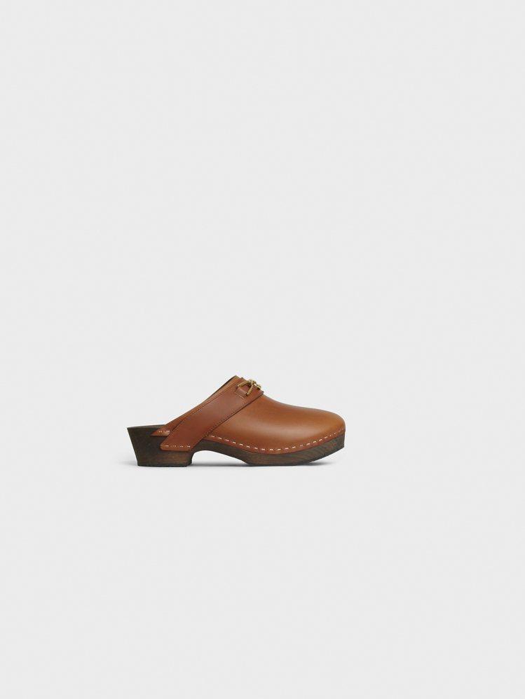 Le Bois CELINE焦糖棕色小牛皮木屐涼鞋,售價29,500元。圖/CE...