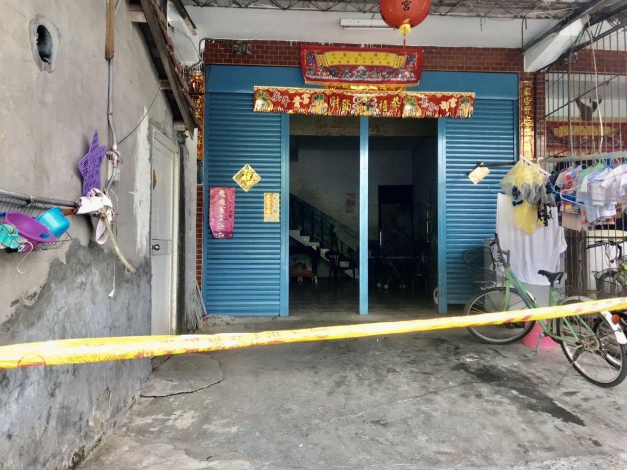 屏東縣新埤鄉箕湖村,一名2個月大女嬰今早在家中失去生命跡象。記者江國豪/攝影