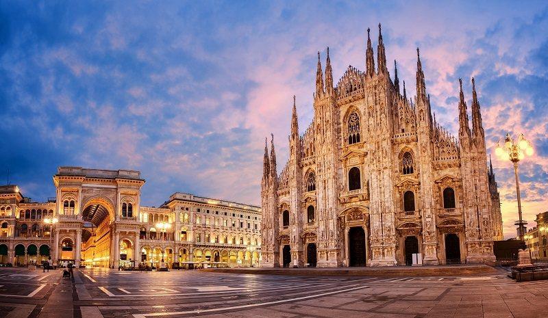 米蘭大教堂是歐洲最美的教堂之一,旁邊就是艾曼紐二世迴廊的入口。 圖/KLOOK提...