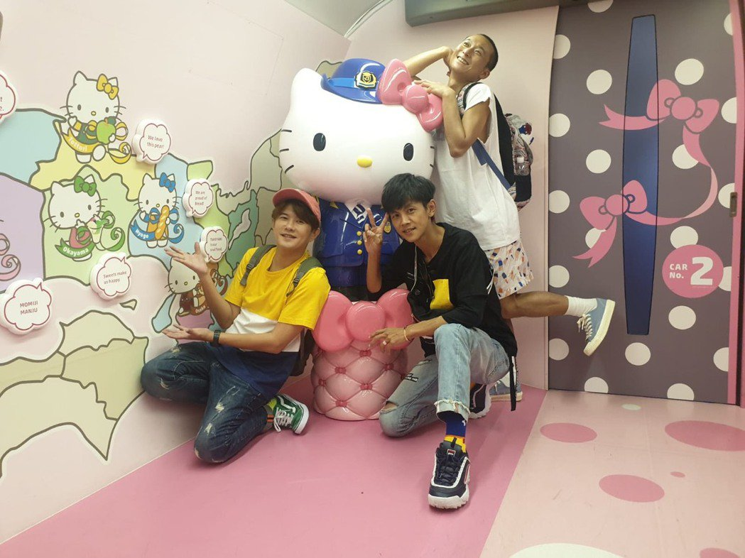 浩角翔起和顏永烈(左)自行創業做網路節目「鬧著玩」。圖/鬧著玩提供