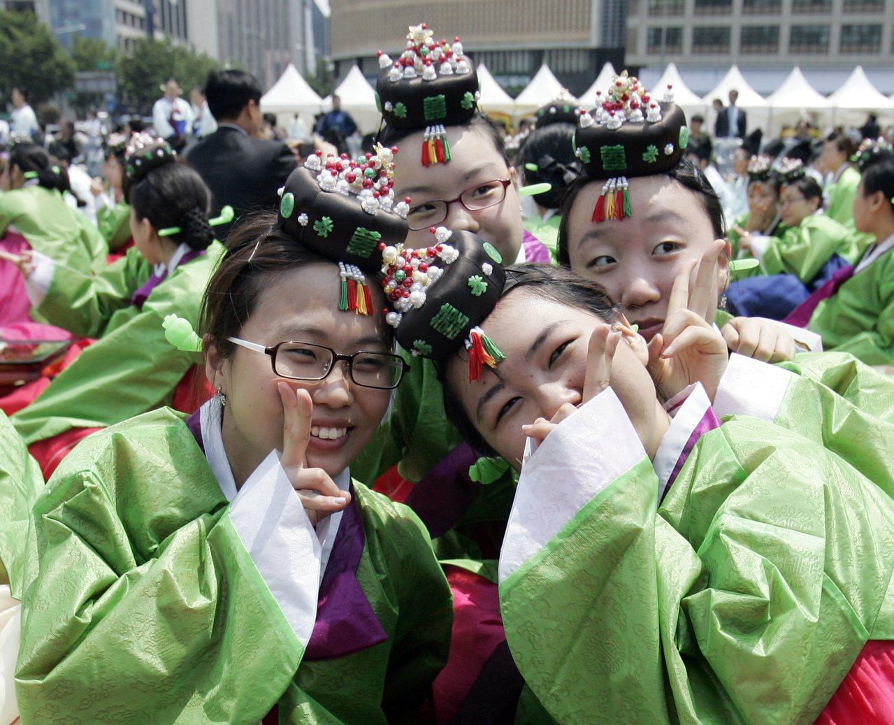 南韓年輕女性愈來愈少人認為結婚是必要的。(美聯社)