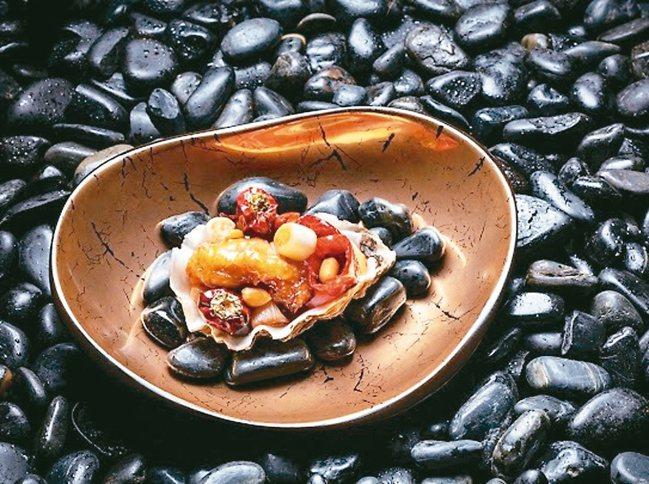 宮保不能算是一個味型,「糊辣荔枝味」才是一個味型 。如意宴裡的宮保吉拉多生蠔。 ...