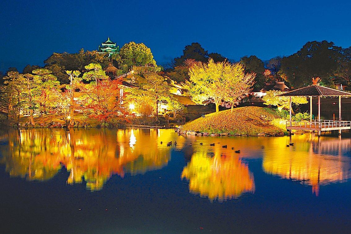 後樂園為日本三大名園之一,夜間賞楓點燈相當有看頭。 圖/日本岡山縣台灣推廣事務所