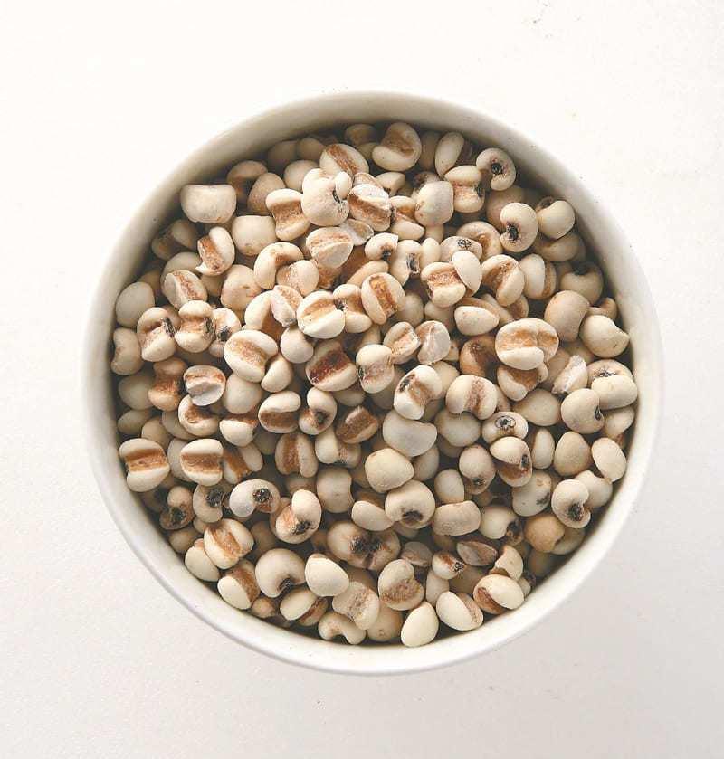 建議善用薏仁泡茶或做料理,可排濕利水、養顏美容。 圖/本報資料照片