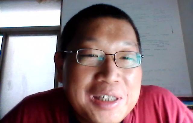 人稱「光頭哥哥」的實況主陳俊傑