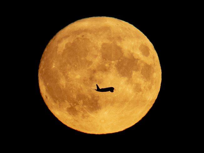 長久以來,許多人相信月圓之夜有某種神奇力量,會影響人類。(美聯社)