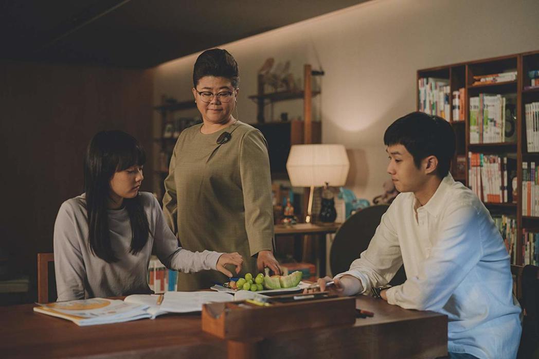 南韓上流家庭被認為手握各種資源,子女透過補習、家教、就讀「明星私校」等方式,搶進...