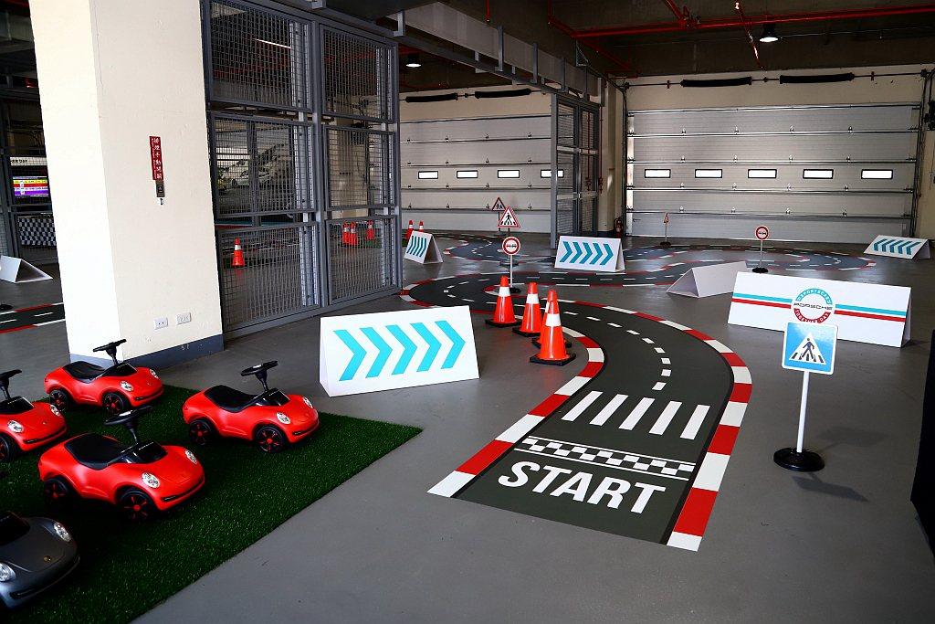「Gaming Zone」則提供VR體驗、Kid's Racing Land兒童...