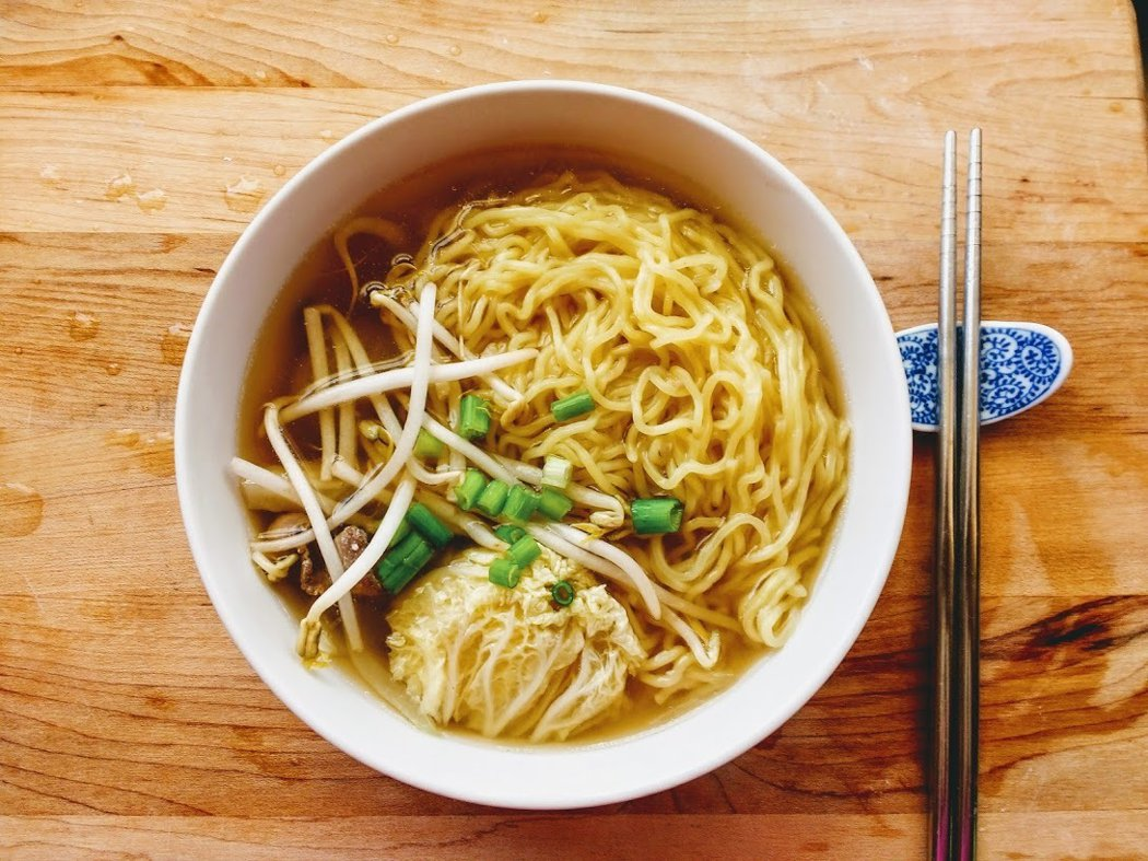 圖文:美國番媽/食譜/醬油培根蔬菜拉麵