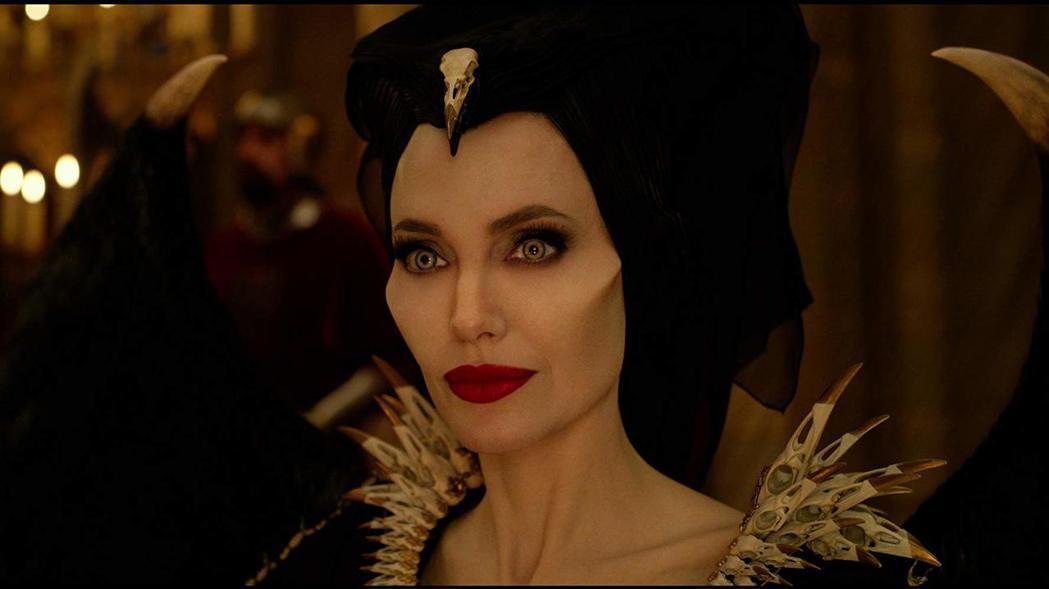 「黑魔女2」北美票房不如預期,裘莉持續被八卦刊物唱衰。圖/摘自imdb