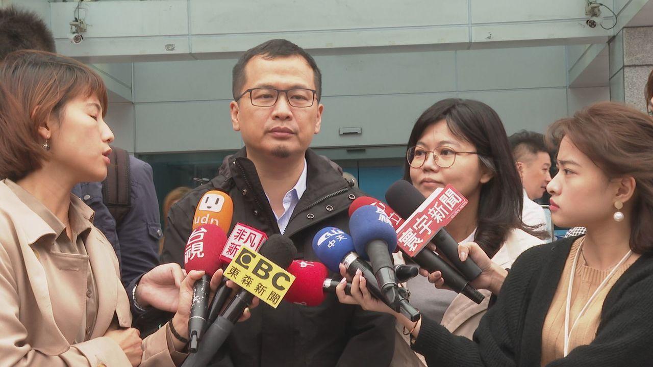 國民黨前天通過不分區立委提名名單,在中央黨部靜坐一夜的台北市議員羅智強昨天受訪表...