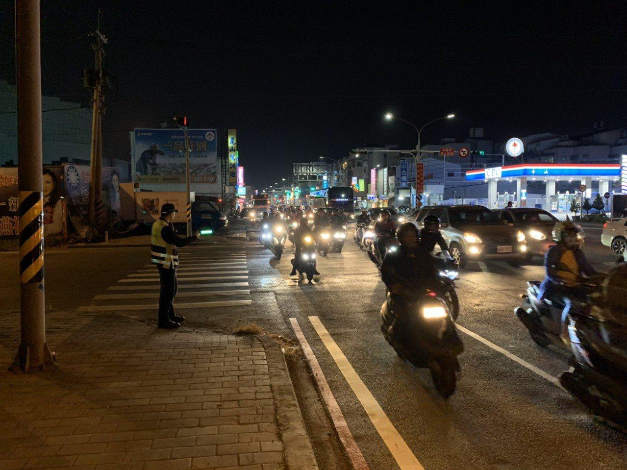 台南主幹道復興路開挖,永康分局提供改道路線,籲繞路免塞車。圖/警方提供