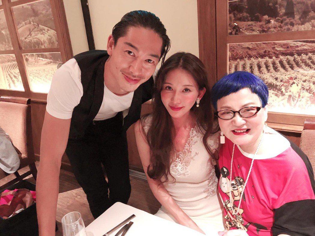 林志玲結婚,小燕姐送上十二萬分的祝福。圖/張小燕提供