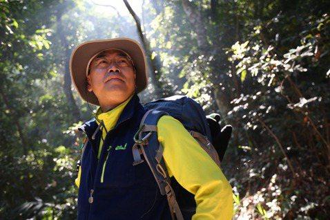 即將於12/13上映的臺灣山林生態電影「黑熊來了」,由金鐘常勝軍、自然科學及行腳節目「MIT台灣誌」製作人麥覺明執導,上週發布電影海報,不到一天便獲得近7000讚與600餘次分享,熊熊超人氣銳不可擋...