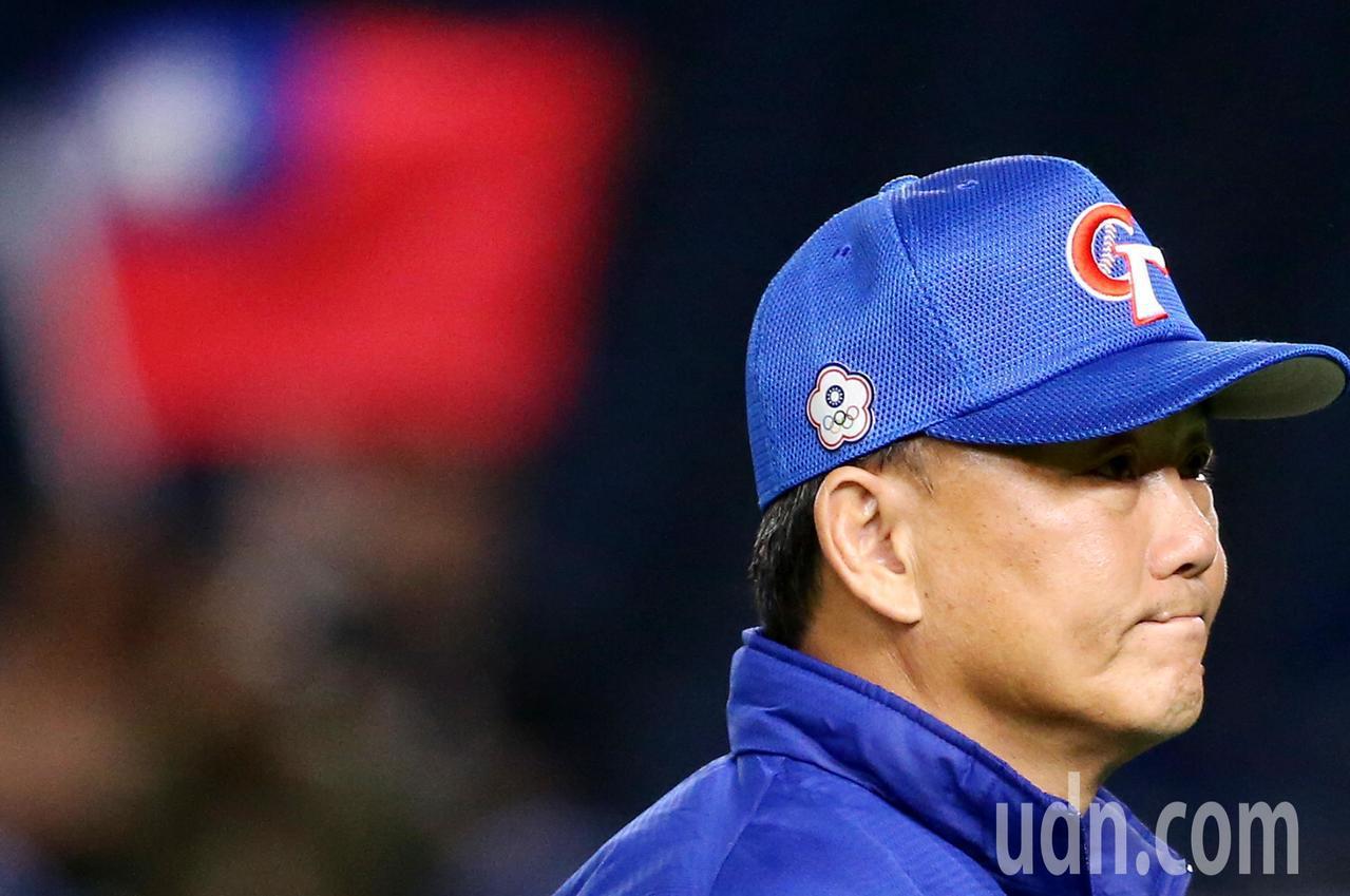 遭美國隊逆轉敗陣,中華隊總教練洪一中賽後面露惋惜。特派記者侯永全/攝影
