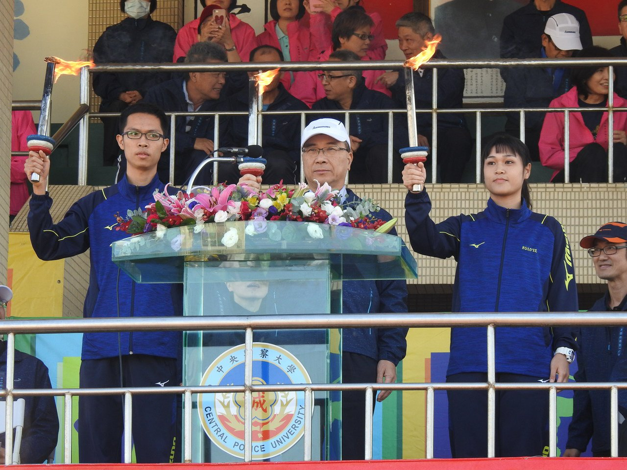 徐國勇今參加警大校運會,表示警察是所有公務員中最受民眾信任的職業。圖/警大提供