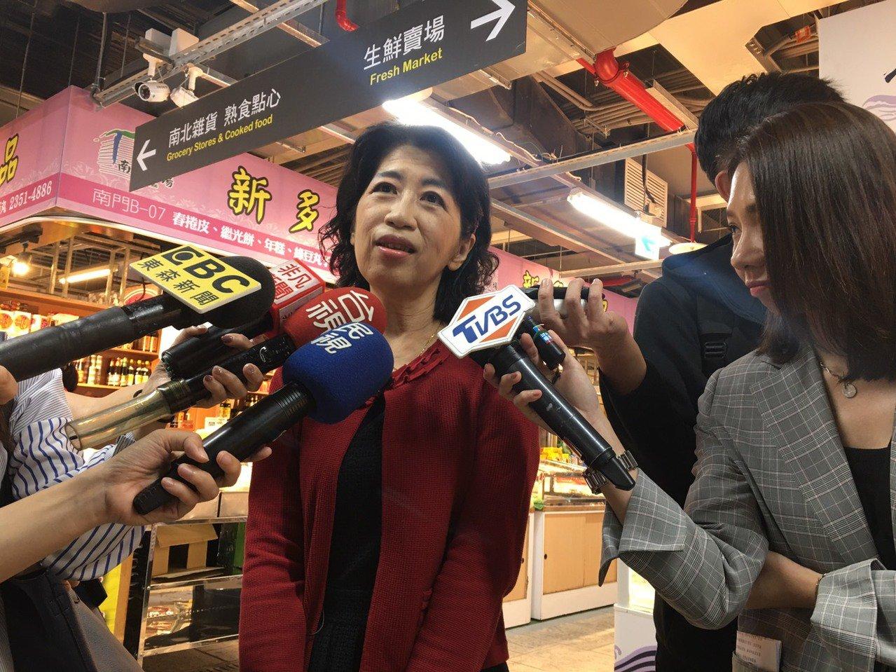 台北市長柯文哲的妻子陳佩琪,今晚在臉書發出長文,其中一段是譏諷民進黨不分區名單是...