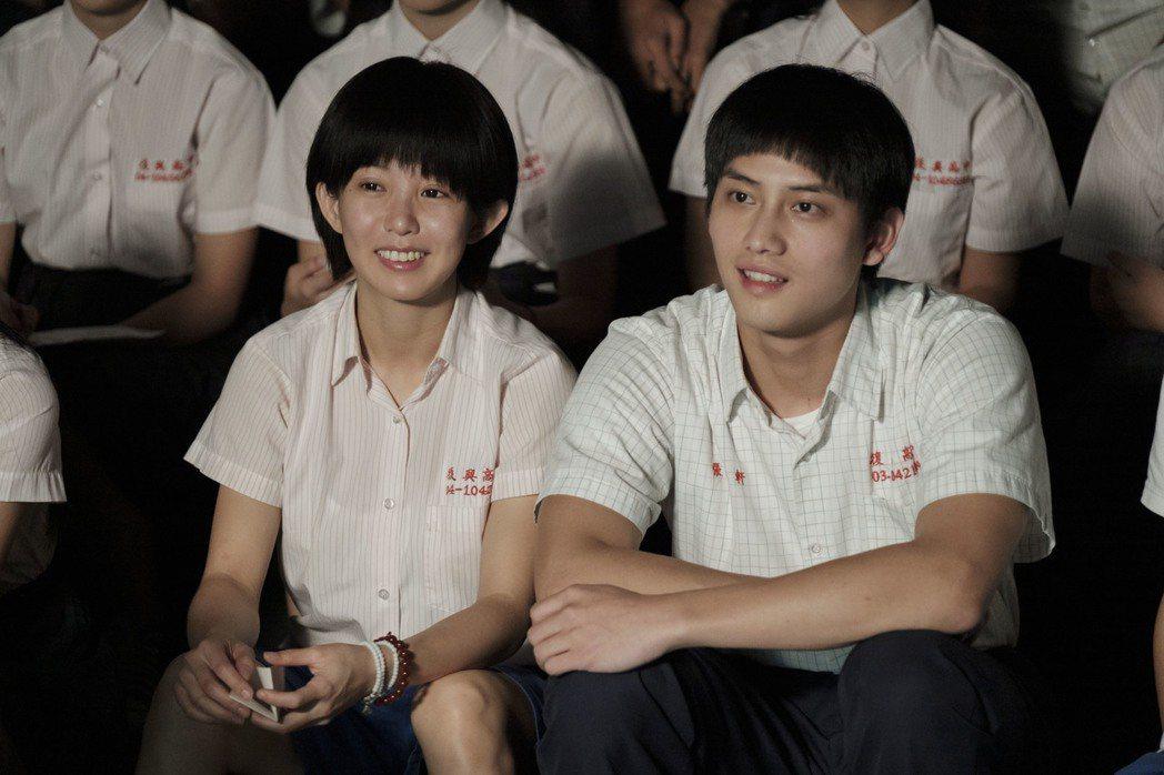 范少勳(右)拍戲過程特別感謝郭書瑤。圖/公視、HBO Asia提供