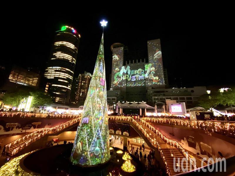 2019新北市歡樂耶誕城今晚正式點燈開城。記者王敏旭/攝影
