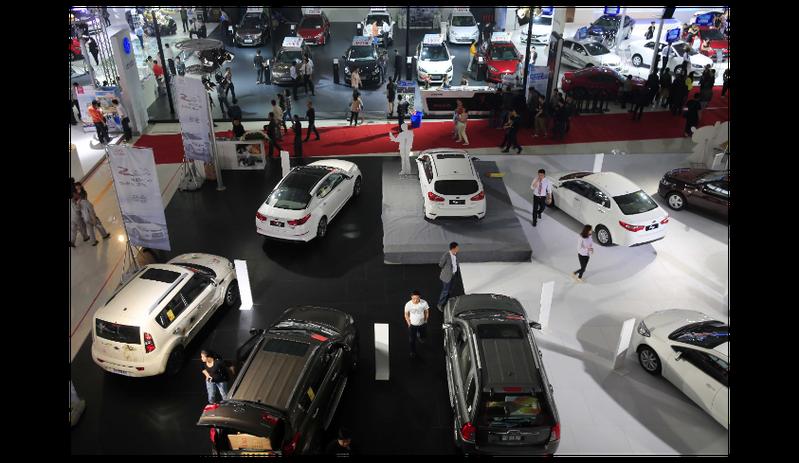 在成熟汽車市場中,二手車交易量大多是新車銷量的二到三倍,而大陸正好相反,新車銷售近3,000萬輛。圖╱新華社